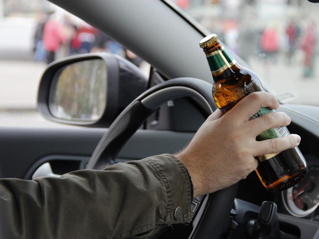 Алкоголь за рулем фото